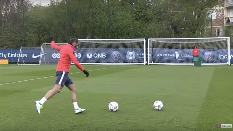 David Luiz vs Lucas Moura: PSG Bucket Challenge