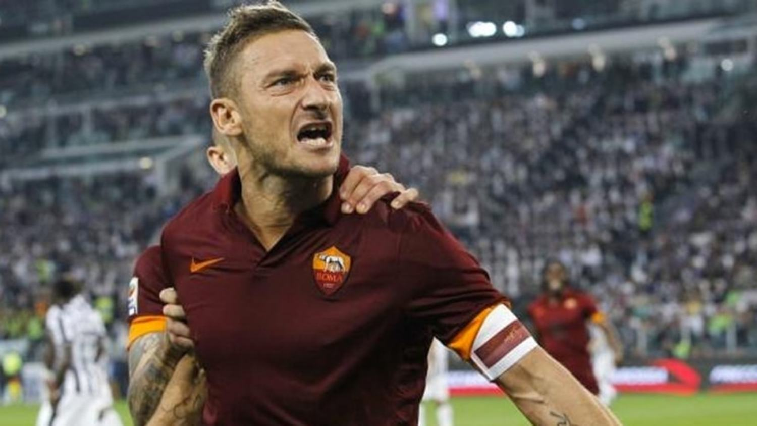 Totti receives standing ovation at the Bernabéu | #UCLAwayDays