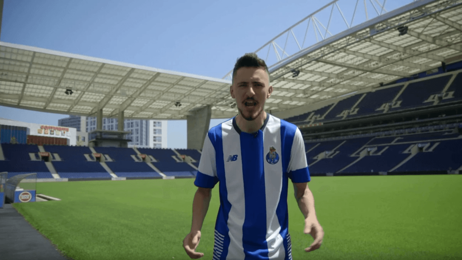 FC Porto's Kit Launch Was Possibly The Craziest of All-Time & David Vujanic Loved It