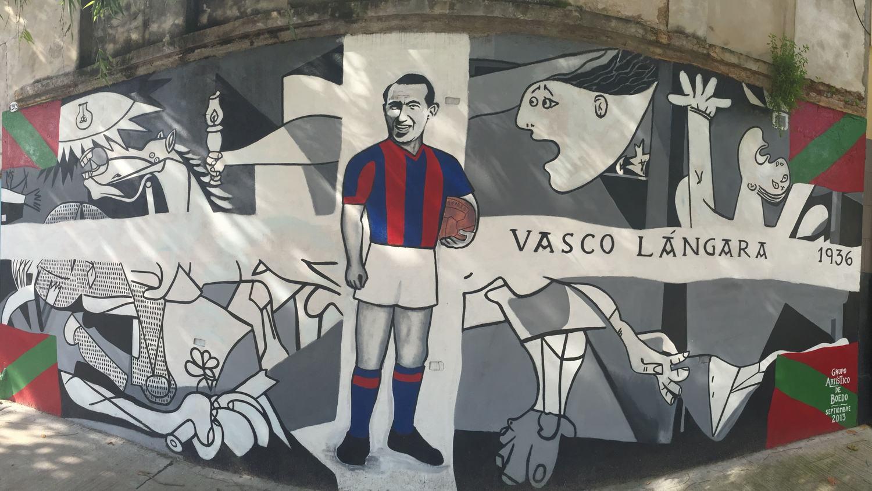 Murals of Boedo on the streets with San Lorenzo De Almagro
