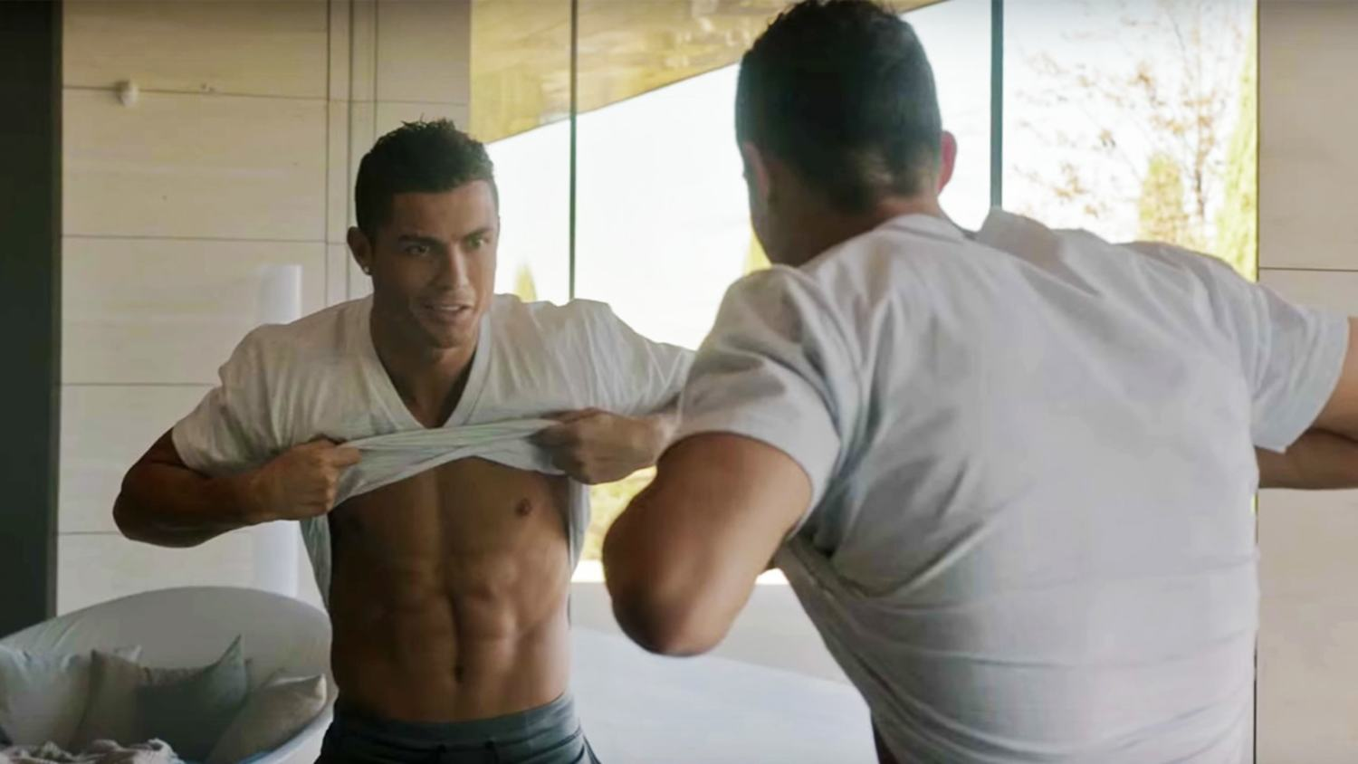 Ronaldo Stars in Amazing 'The Switch' Nike Advert