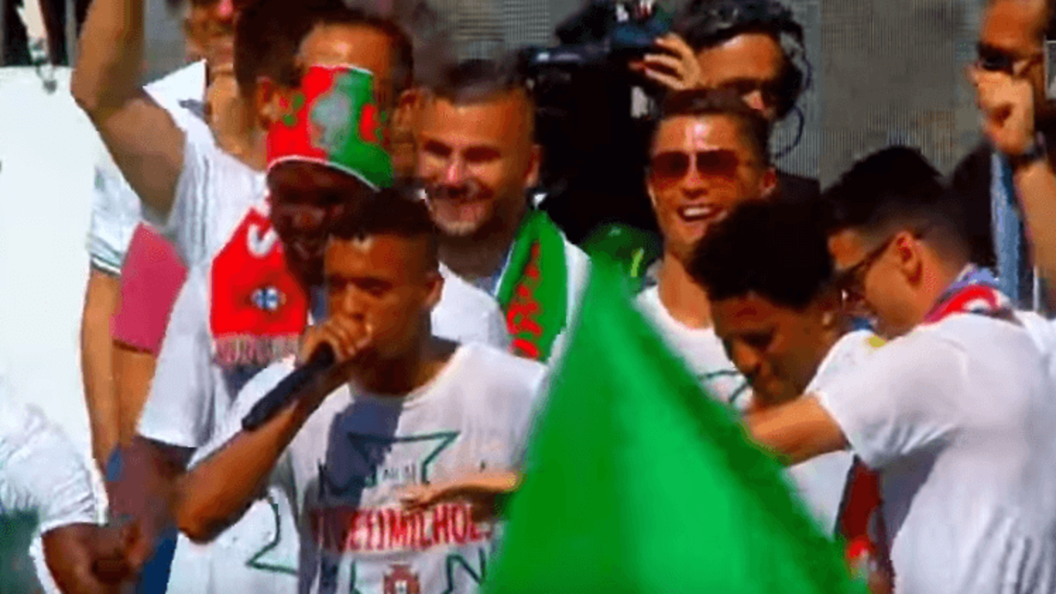 Nani & Renato Sanches show off their beatbox skills at Portugal Euro 2016 celebrations