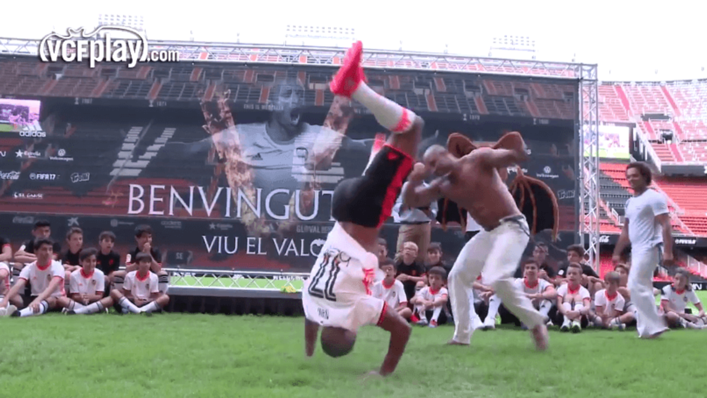 Forget Keep-ups, Nani performs Capoeira at Valencia presentation
