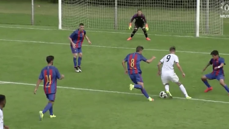 Man Utd's Callum Gribbin Scores Incredible Goal vs Barcelona