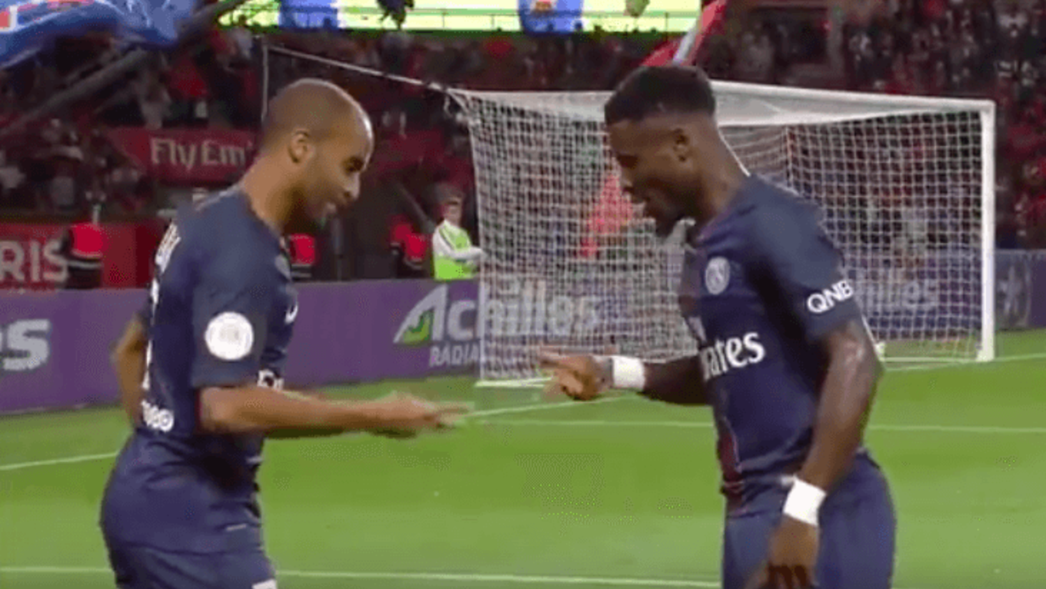 Lucas Moura vs Serge Aurier: Rock, Paper Scissors Celebration