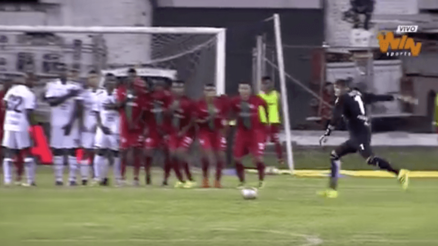 Fortaleza Goalkeeper Scores Freekick and Assist In A Single Game!