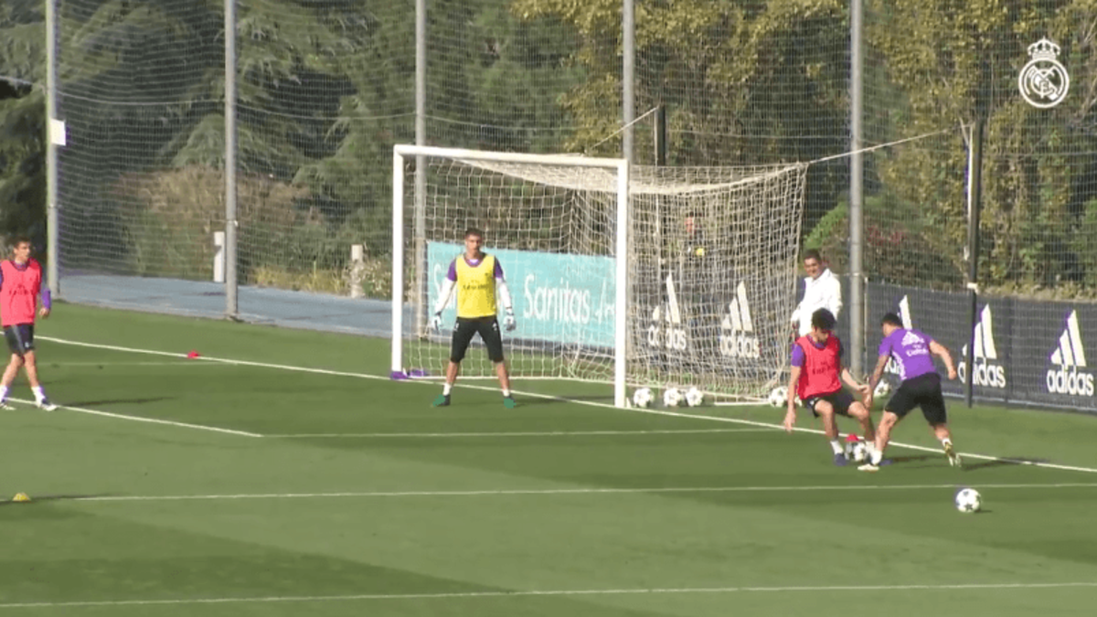 James Rodriguez's Elastico Nutmeg Goal at Real Madrid Training