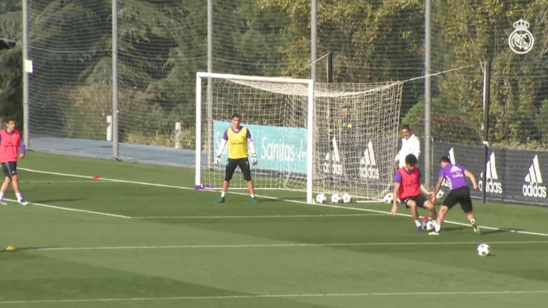 James Rodriguez's Elastico Nutmeg Goal at Real Madrid Training