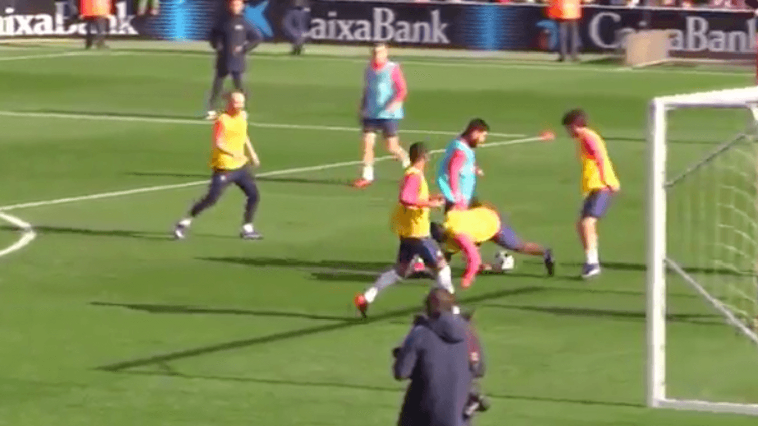 Lionel Messi pulls off outrageous double nutmeg in training