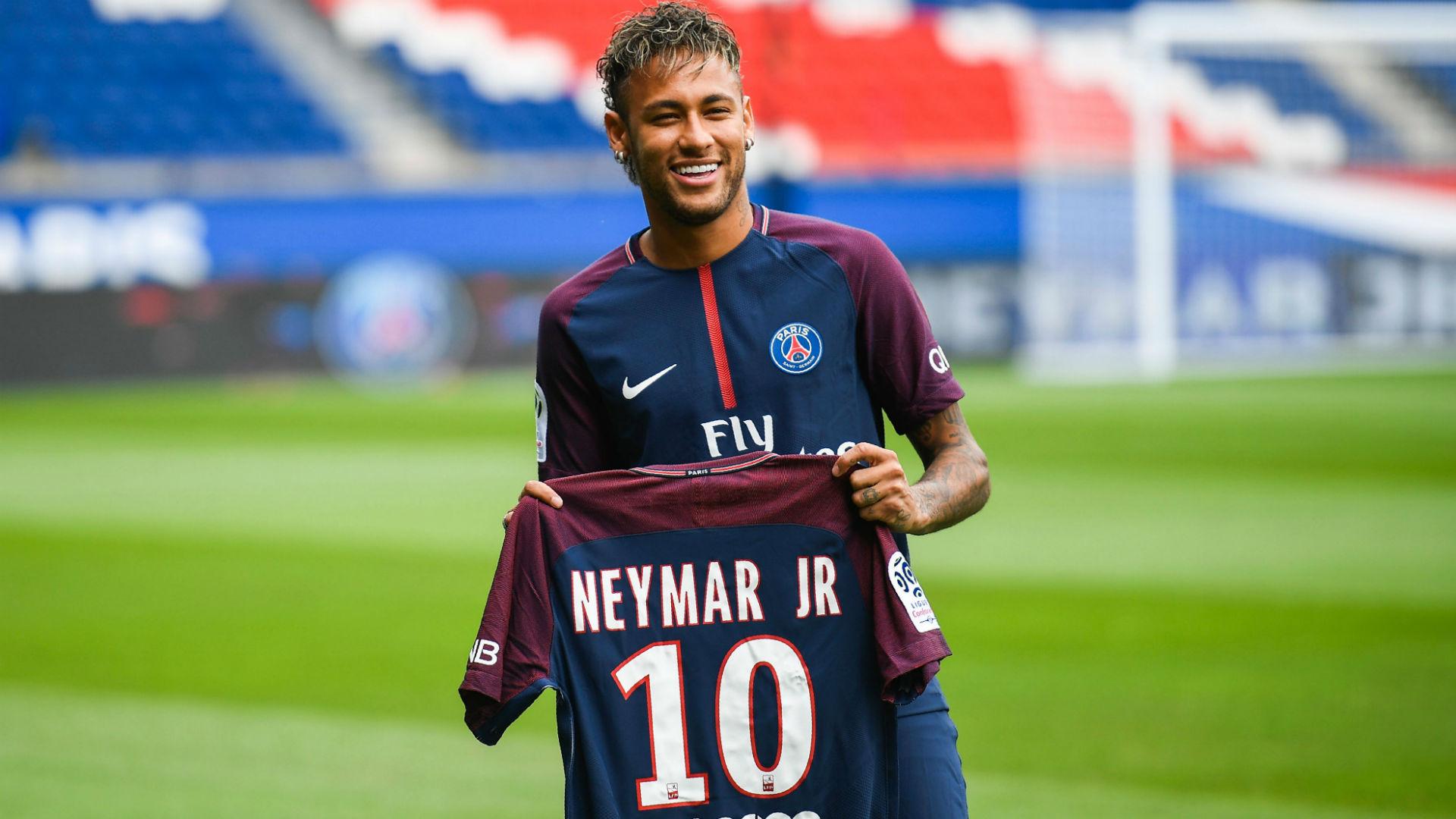 Bienvenue, Neymar   Case of the Mondays
