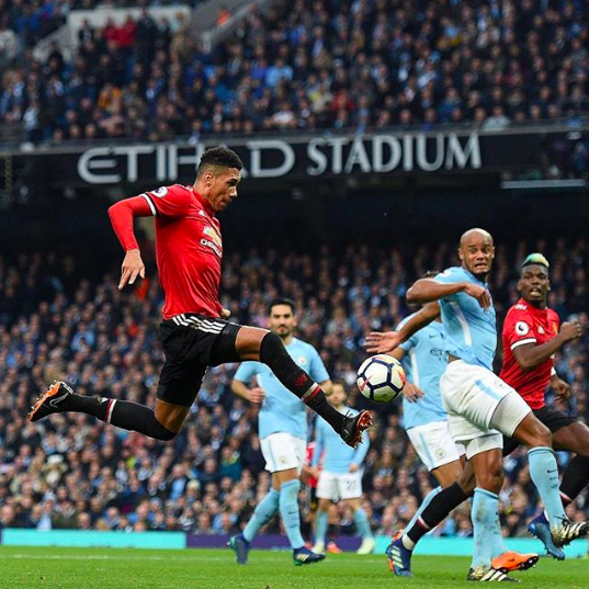 The Premier League is blue, but Manchester is red | Case of the Mondays